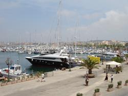 Alghero Hafen und Jacht