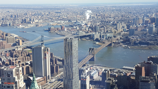 One World Observatory Blick auf Brooklyn Bridge