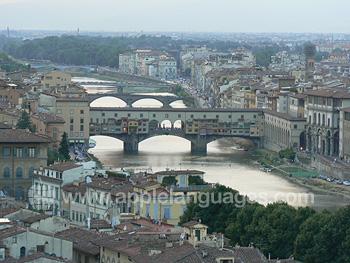 Brücken über den Fluss Arno