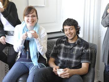 Schüler entspannen nach dem Unterricht