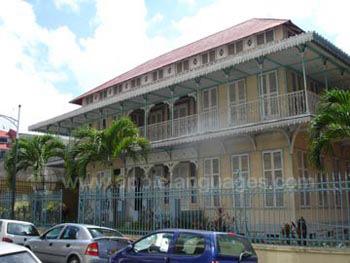 Historisches Gebäude in Pointe-à-Pitre