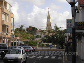 Die Hauptstraße in Sainte-Anne