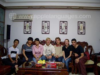 Schüler bei ihrer Gastfamilie