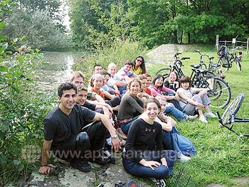 Schüler auf einer Fahrradtour