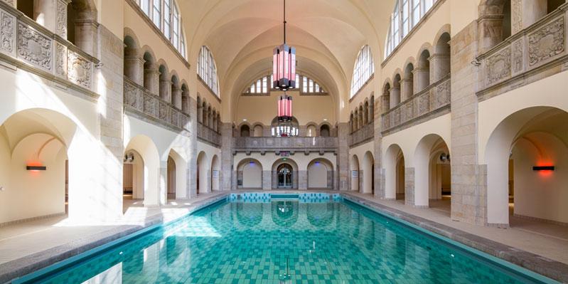 Der campuseigne Pool