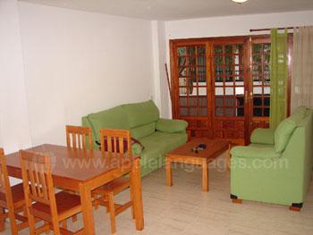 Komfortables, geräumiges Wohnzimmer