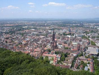 Freiburg im Breisgau aus der Luft