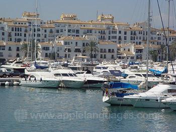 Der Yachthafen in Marbella
