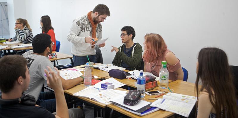 Schüler/-innen lernen Englisch