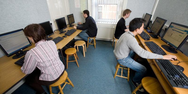 Schuleigener Computerraum