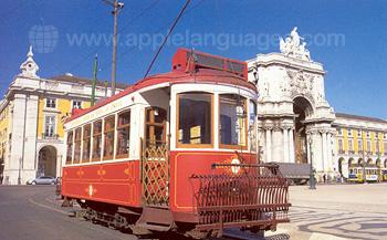 Typische Straßenbahn in Lissabon