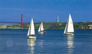 Yachten auf dem Weg aus Lissabon