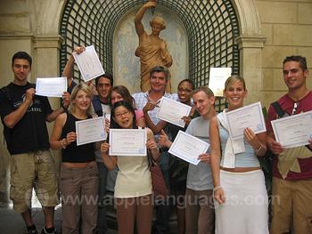 Schüler mit Zertifikaten