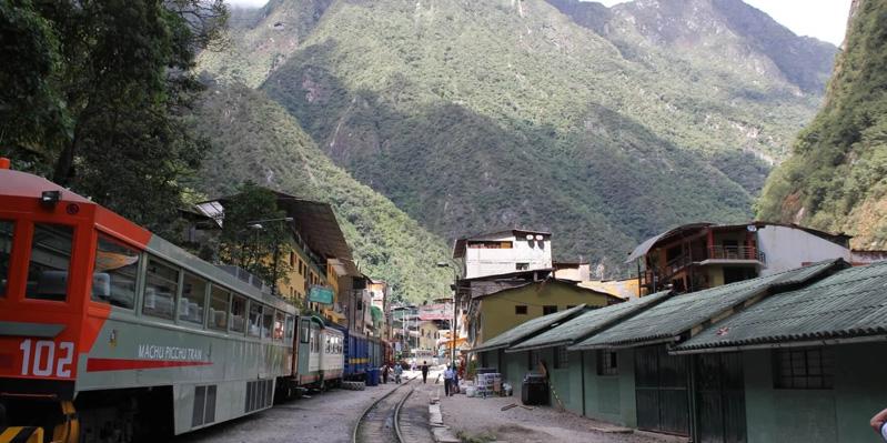 Spektakuläre Zugfahrt von Cusco nach Machu Picchu