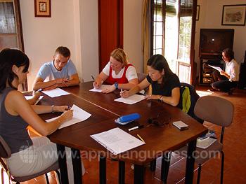 Schüler beim Einstufungstest