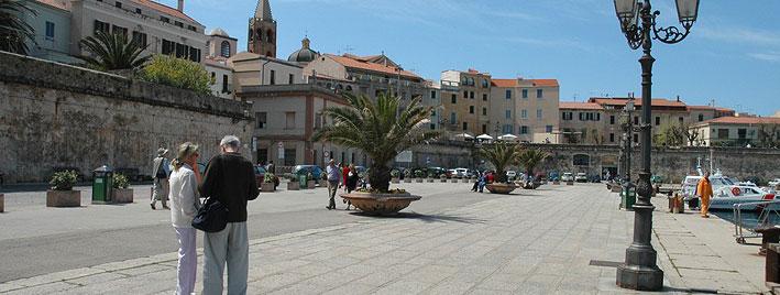 Alghero, Sardinischer Hafen