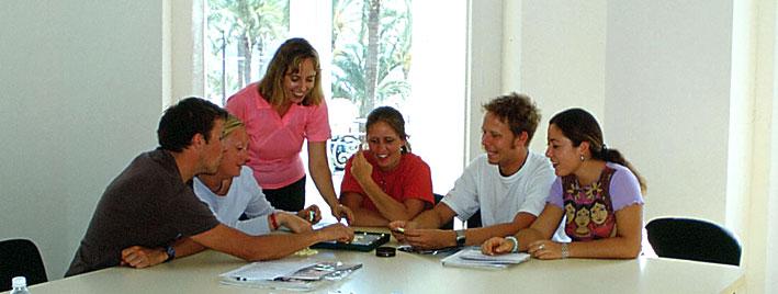 Schüler lernen Spanisch in Alicante