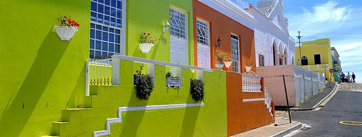 Farbenfrohe Straße in Kapstadt
