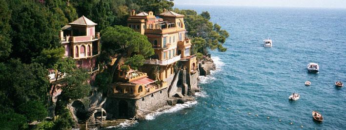 Italienische Riviera an der Küste bei Genua