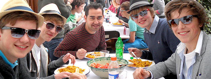Spanisch üben beim Mittagessen in Granada