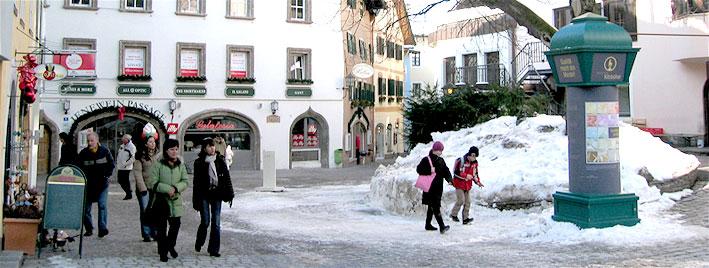 Schnee im Zentrum Kitzbühels