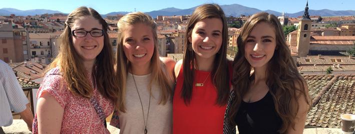 Fröhliche Schüler in Madrid