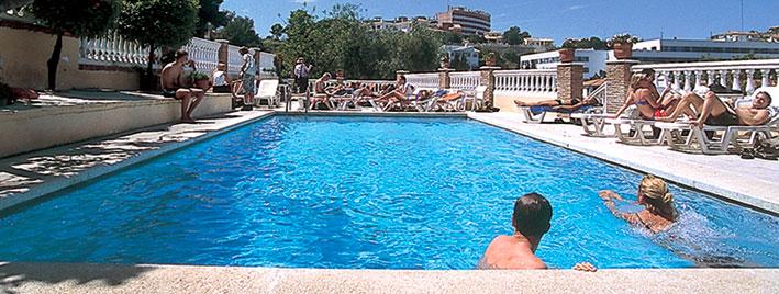 Schuleigener Pool, Malaga Premium