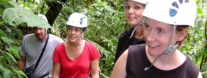 Seilrutsche im Wald, Monteverde