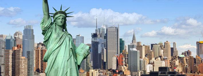 Freiheitsstatue und New Yorker Skyline