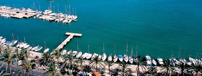 Schiffe und Meer in Palma
