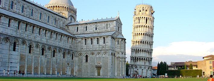 Schiefer Turm von Pisa, Piazza dei Miracoli