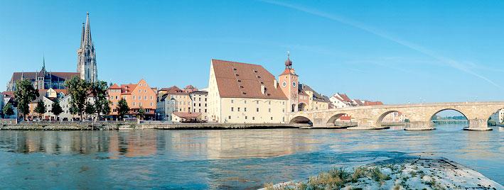 Regensburger Dom und Steineren Brücke