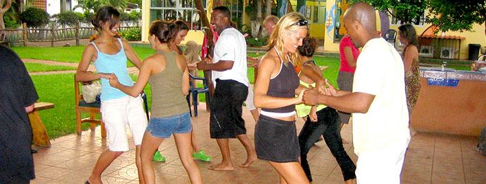 Tanzstunde in Samara Beach