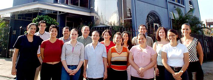 Sprachschüler vor unserer Spanischschule in San José