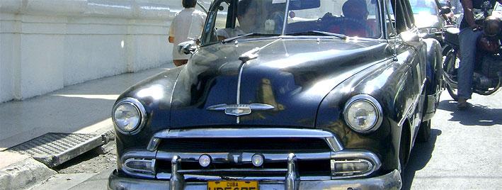 Klassischer schwarzer Chevrolet, Santiago de Cuba