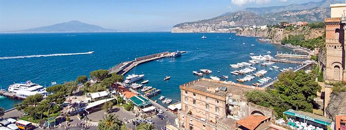 Blick auf Marina Grande, Sorrent, Italien