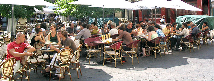 Cafékultur in Tours, Frankreich