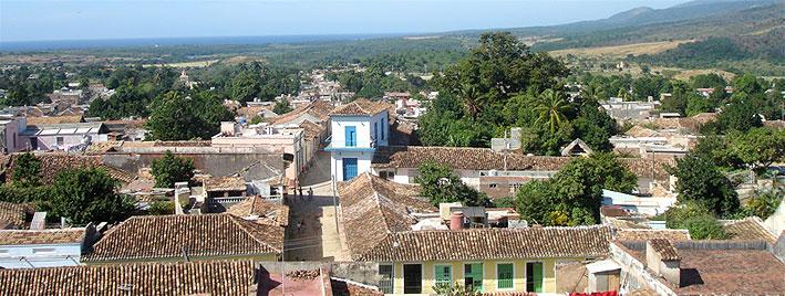 Über den Dächern der Stadt in Trinidad, Kuba
