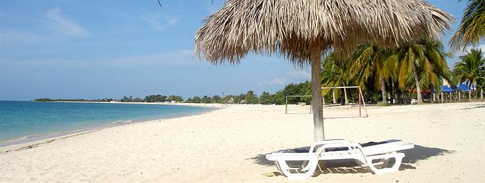 Sandstrand und Palmen, Trinidad