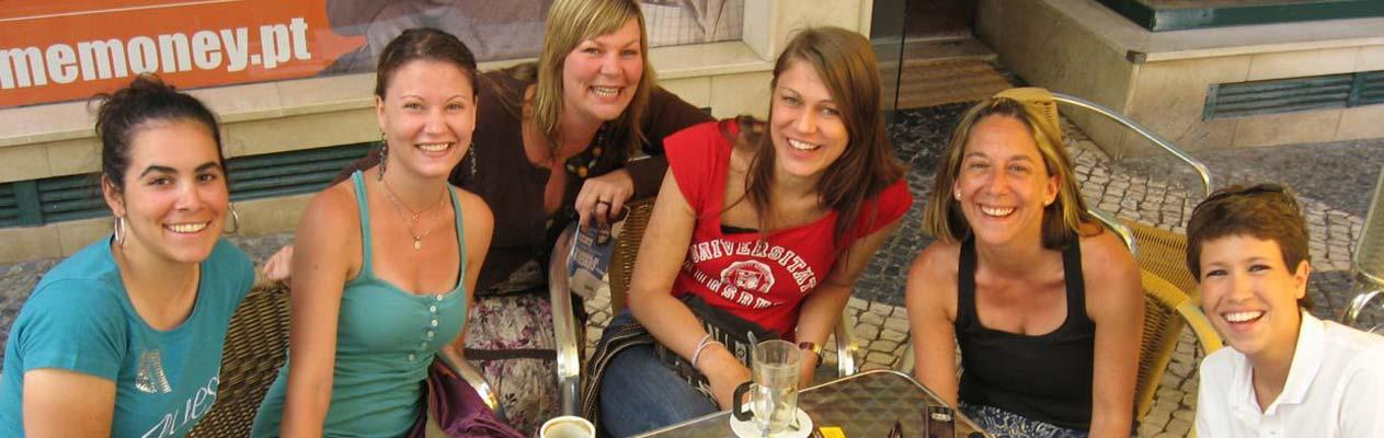Schülerinnen in Faro