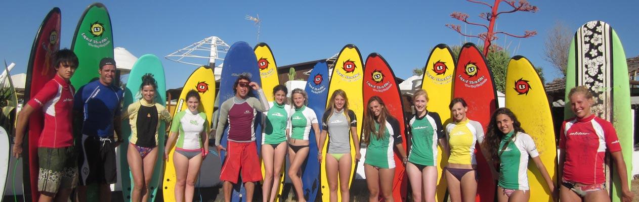 Schüler/-innen surfen in Vejer